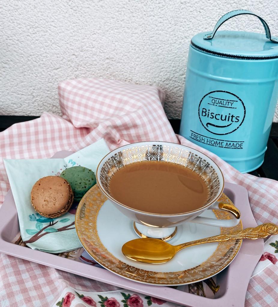 Jeden Freitag 5 o'clock Tea mit
